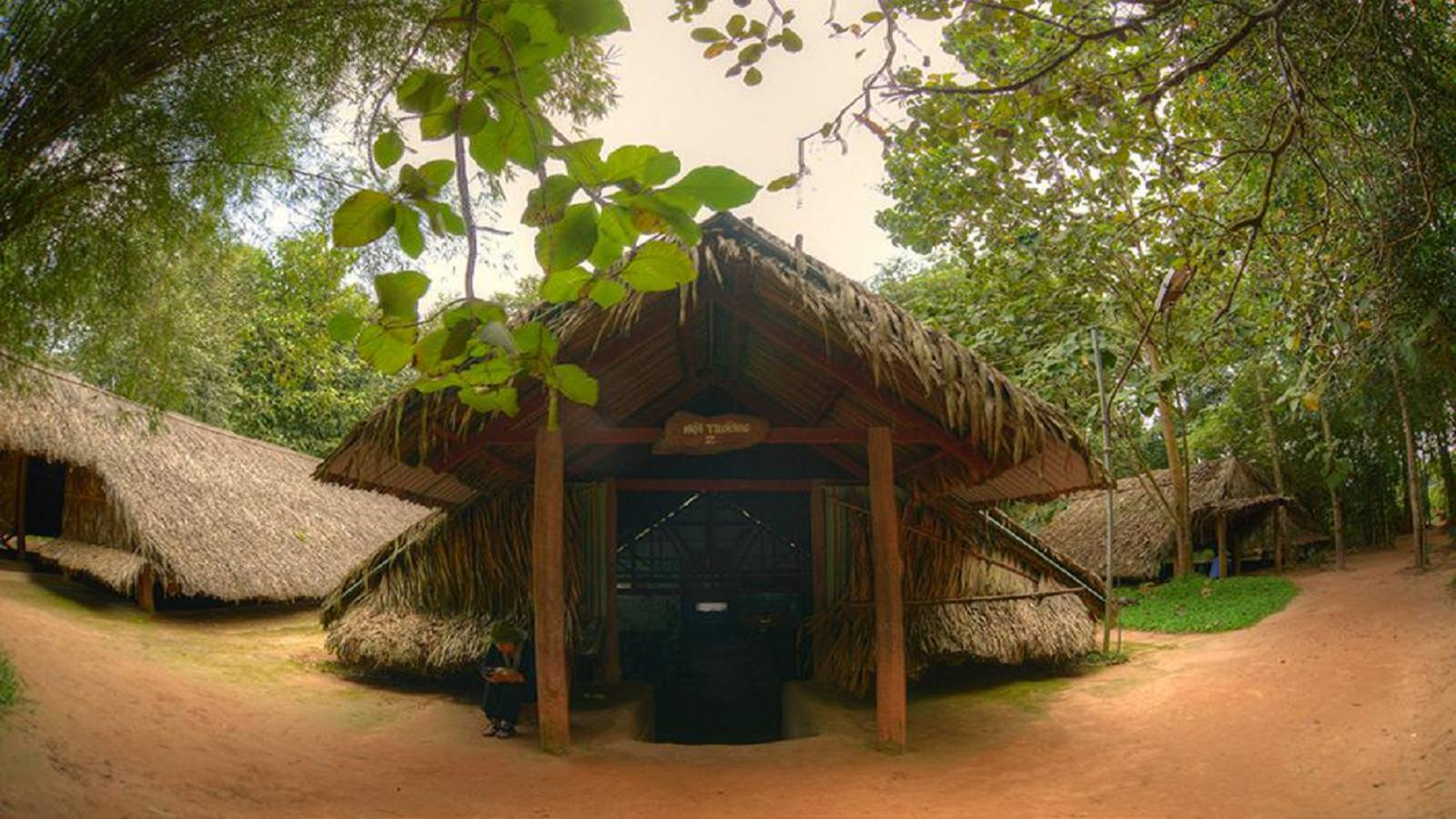 Group Tour: Cu Chi Tunnels ½ Day