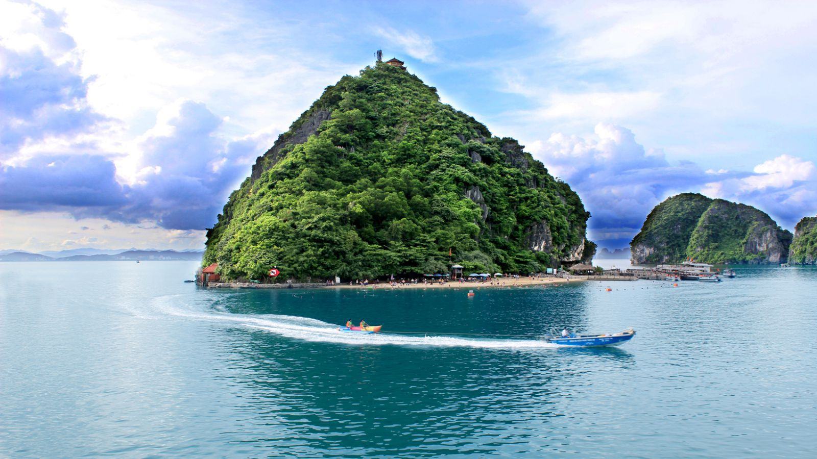 Group Tour: Hạ Long Bay 2 Days 1 Night On Boat