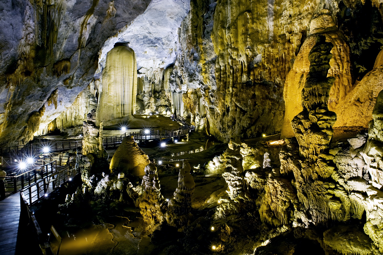 Group Tour: Phong Nha Cave And Dark Cave 1 Day